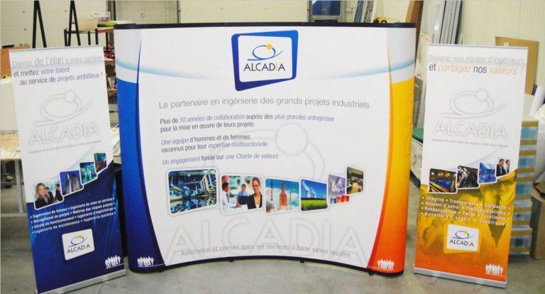 DE BOUCHE A OREILLE - Création originale d'un visuel pour stand parapluie et roll-up pour animer des Forums Etudiants, pour ALCADIA.